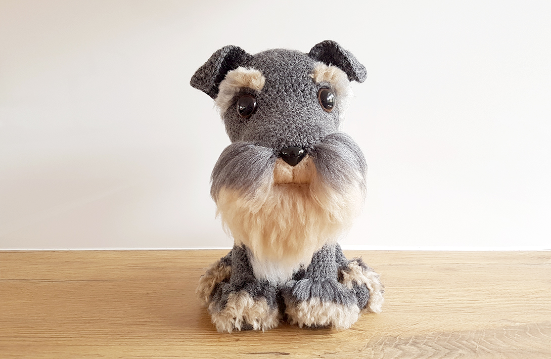 Amigurumi: free crochet pattern for a realistic Schnauzer dog with handmade fur