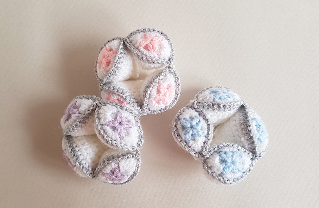 Free Pattern: Crochet Amish Puzzle Ball - New Harlequin design by Projectarian